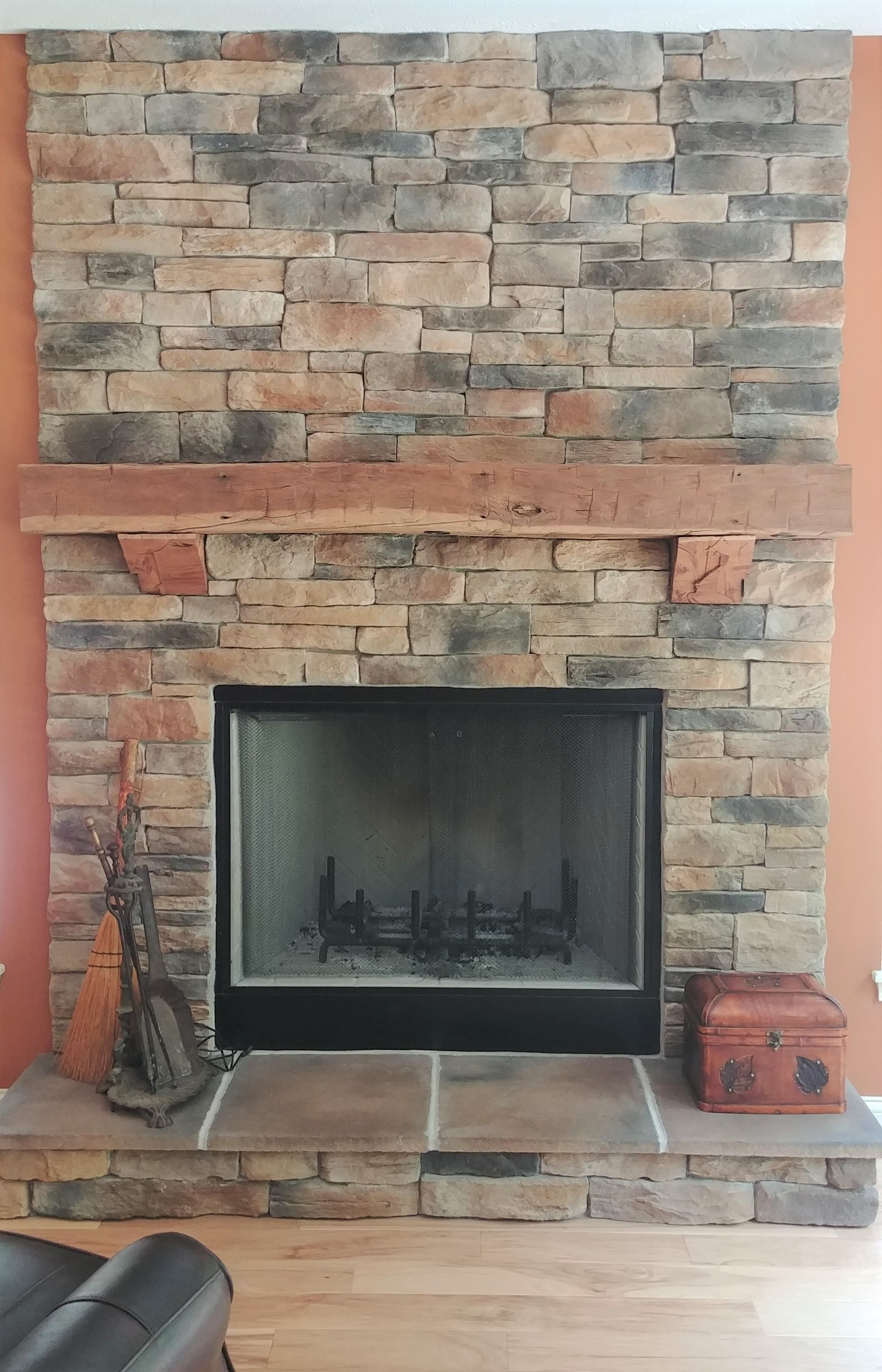 Arata-great-room-fireplace