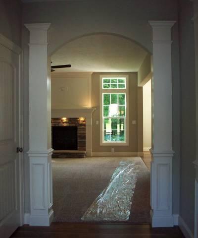 400 foyer columns